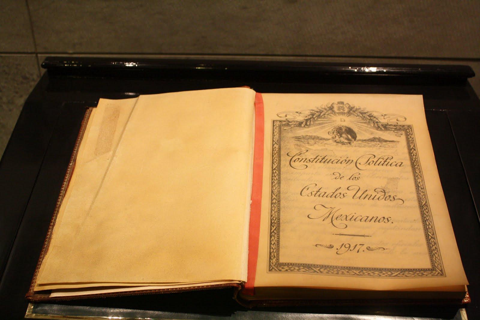 Se conmemora el 98 aniversario de la Constitución Política de