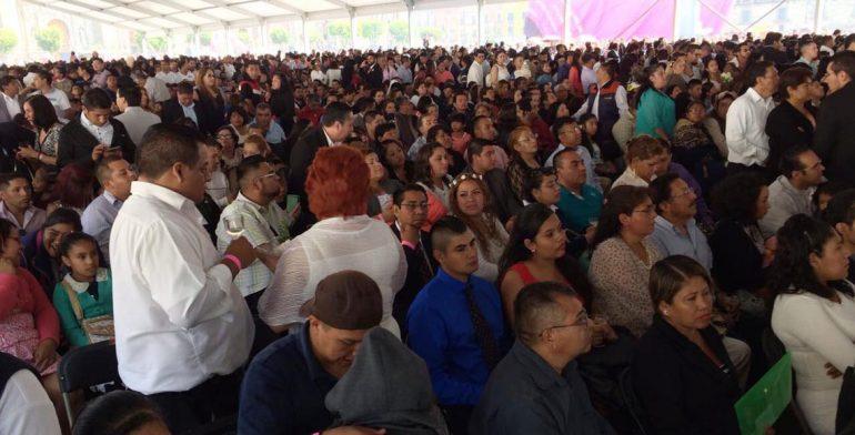 Bodas colectivas rompen récord en Zócalo; se casan 3 mil 400 parejas ,  Noticias Estado de México