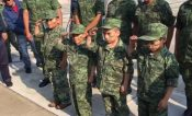  VIDEO  Niños cumplen sueño de ser soldados
