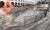 Para evitar aglomeraciones colocan vallas en la González Arratia